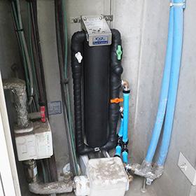 浄水器のマンション設置例(床置き仕様)